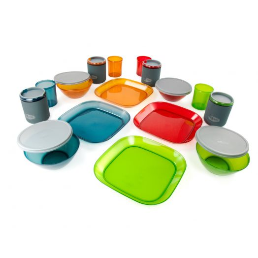 GSI Outdoors Infinity 4 Person Deluxe Tableset- Multicolor